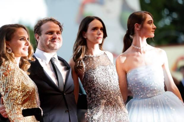 Natalie Portman, Brady Corbet, Stacy Martin e Raffey Cassidy